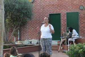 Storyteller-in-Residence Stephanie Townes tells a two-minute story about her friend, a worm!